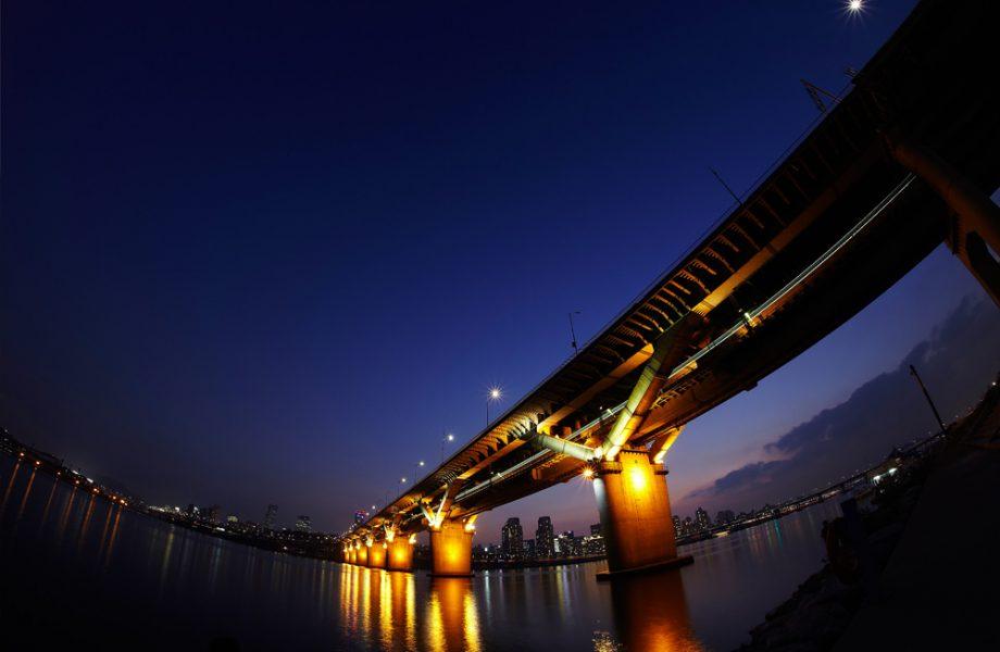samyang opitcs-12mm-F2.8-fisheye-camera lenses-photo lenses-clip_02
