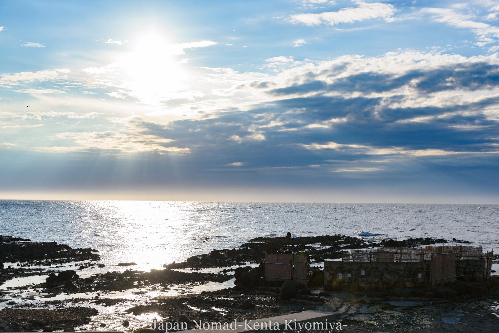 【旅124日目】日本海から5mにある露天風呂「不老ふ死温泉」へ!