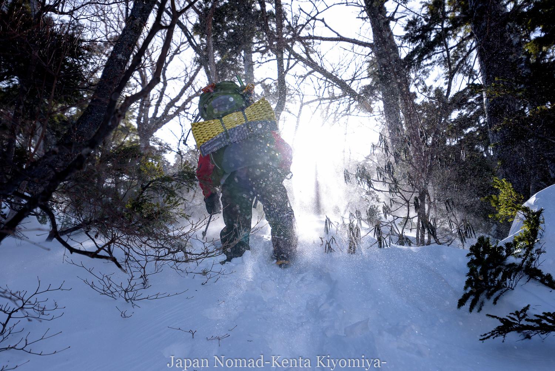 【日光】奥白根山(日光白根山) 雪山登山(前編)~即席バディと五色沼避難小屋へ~