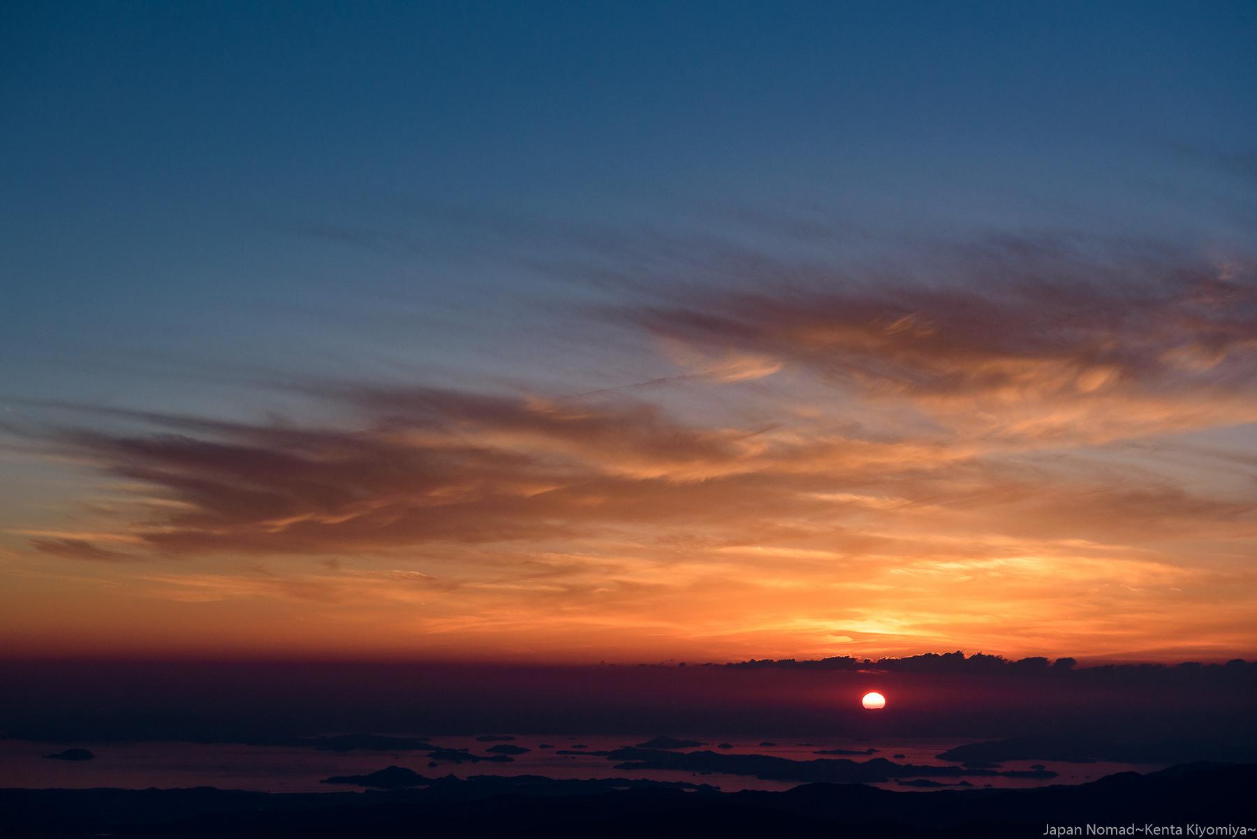 石鎚山 登山(前編)~山頂より望む極上の夕焼け~